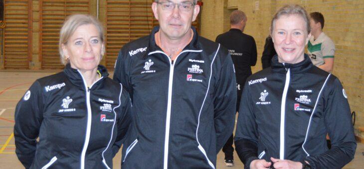 Jonna og Helle debuterede sammen i topkamp i Balle Skolehal