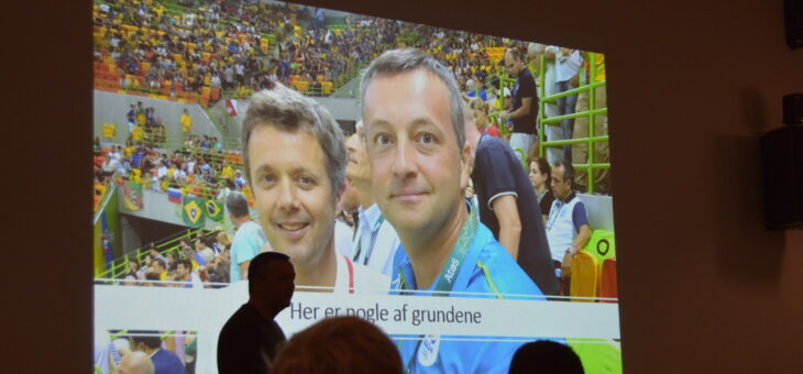 Martin Gjeding varmede 80 dommere op til informations- og debataften i Tørring